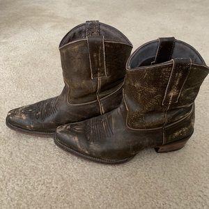 Roper Snip Toe Short Leather Boots